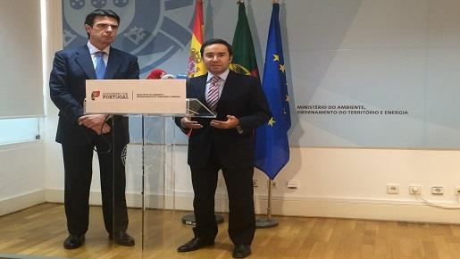 El ministro de Industria, Energía y Turismo se reúne con su homólogo portugués para tratar sobre las interconexiones energéticas