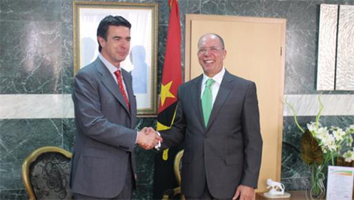 El ministro de Industria, Energía y Turismo viaja a Angola para estrechar las relaciones de cooperación entre los dos países