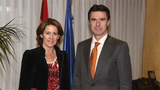 El ministro de Industria, Energía y Turismo, José Manuel Soria, se reúne con la presidenta  del Gobierno Foral de Navarra