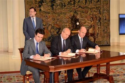 El Ministerio de Industria, Energía y Turismo gestionará la extensión del acceso a la banda ancha ultrarrápida de los centros docentes españoles