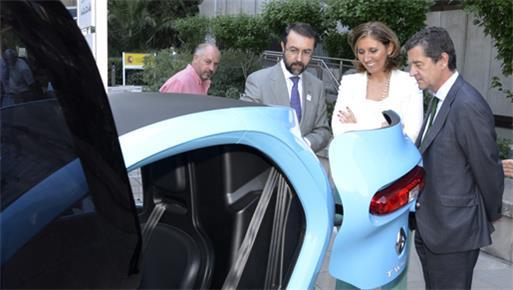 El Ministerio de Industria, Energía y Turismo presentó el vehículo verde