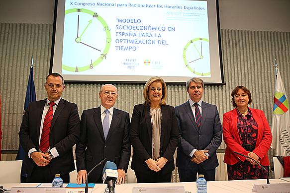 Fátima Báñez destaca la racionalización de los horarios como elemento clave del empleo de calidad