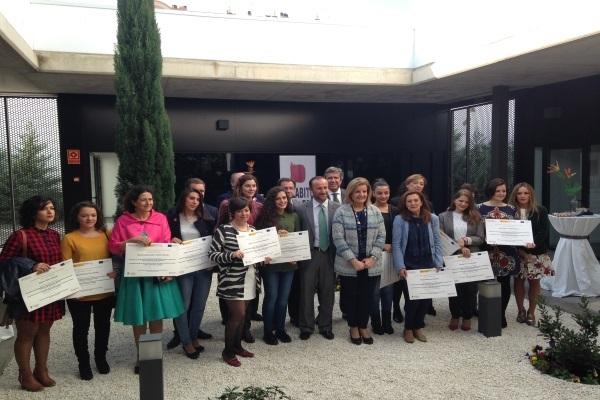 Báñez destaca el papel de la mujer emprendedora en la lucha contra el paro femenino