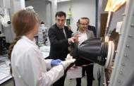 El conselleiro de Cultura y Educación visita el Centro Singular de Investigación en Química Biológica y Materiales Moleculares