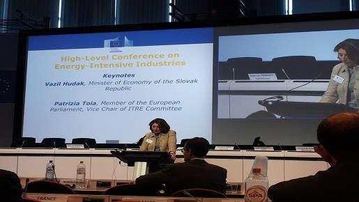 El Ministerio de Industria, Energía y Turismo defiende en Europa el sector del acero español