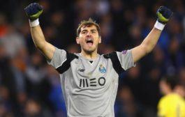 Oporto. Casillas festeja su primer título